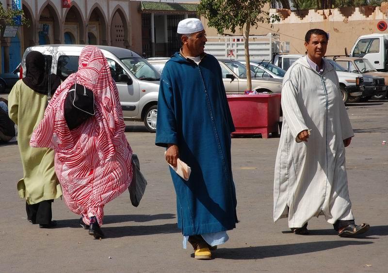 מרוקו - נשים וגברים בצבעים