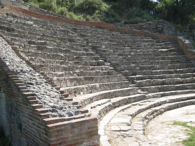 אלבניה - תיאטרון רומי באפולוניה