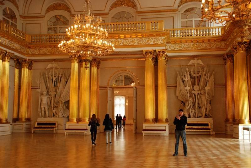 רוסיה - סנט פטרבורג - בארמונות הצארים
