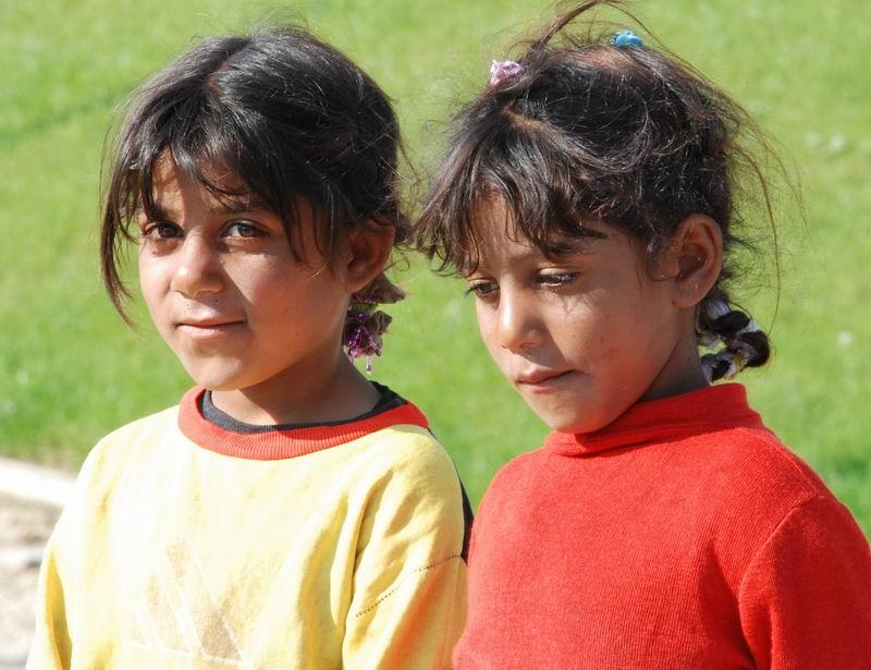 אלבניה - זוג ילדות