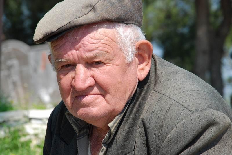 אלבניה - קשיש