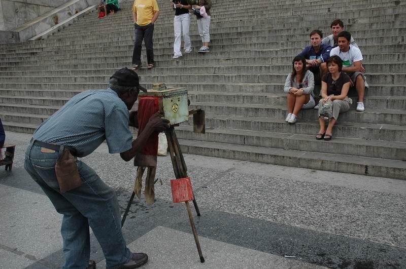 קובה - הבנה - צלם רחוב