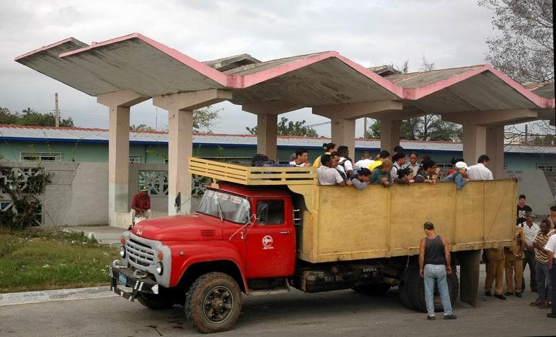 קובה - תחנה מסודרת, אוטובוסים אין