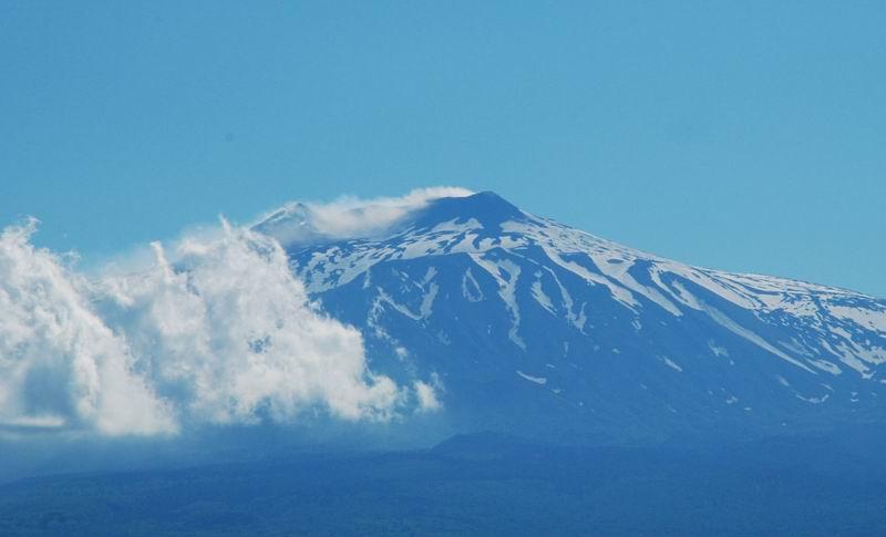 הר האתנה - מושלג ומעשן