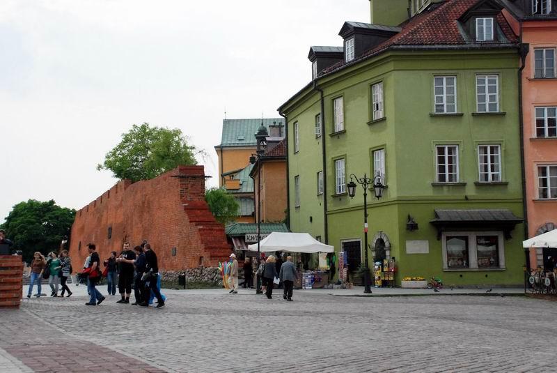 פולין - ורשה - חומת העיר העתיקה