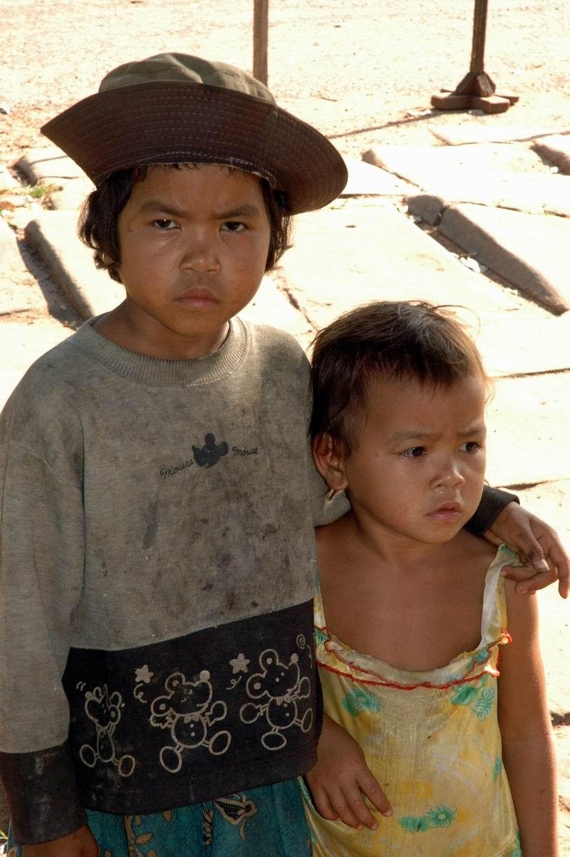 קמבודיה - ילדות