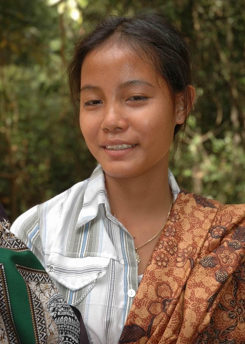 קמבודיה - נערה יפה