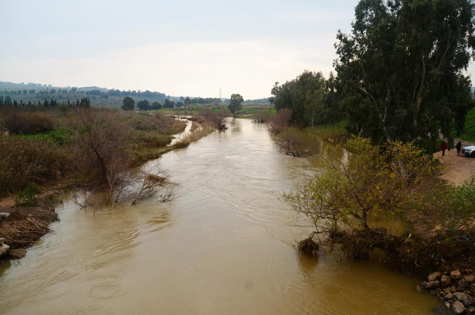 גליל עליון - הירדן בזרימה מלאה - מגשר הפקק