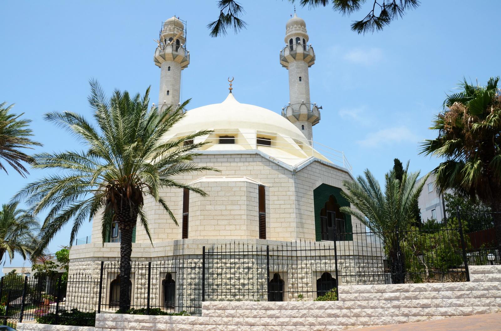 מסגד האחמדים בכבביר - חיפה