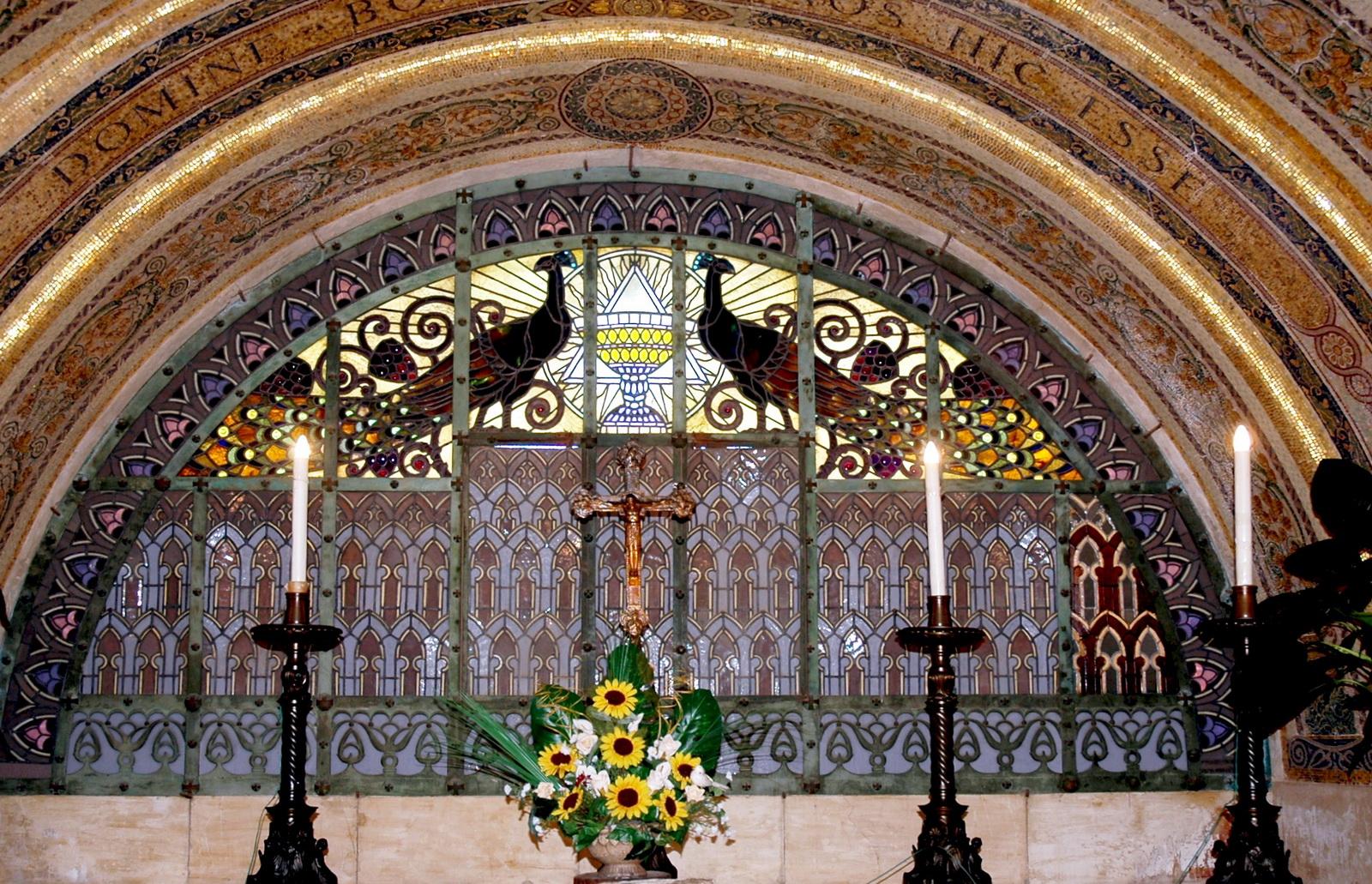 תבור - פנים הכנסייה הפרנציסקנית