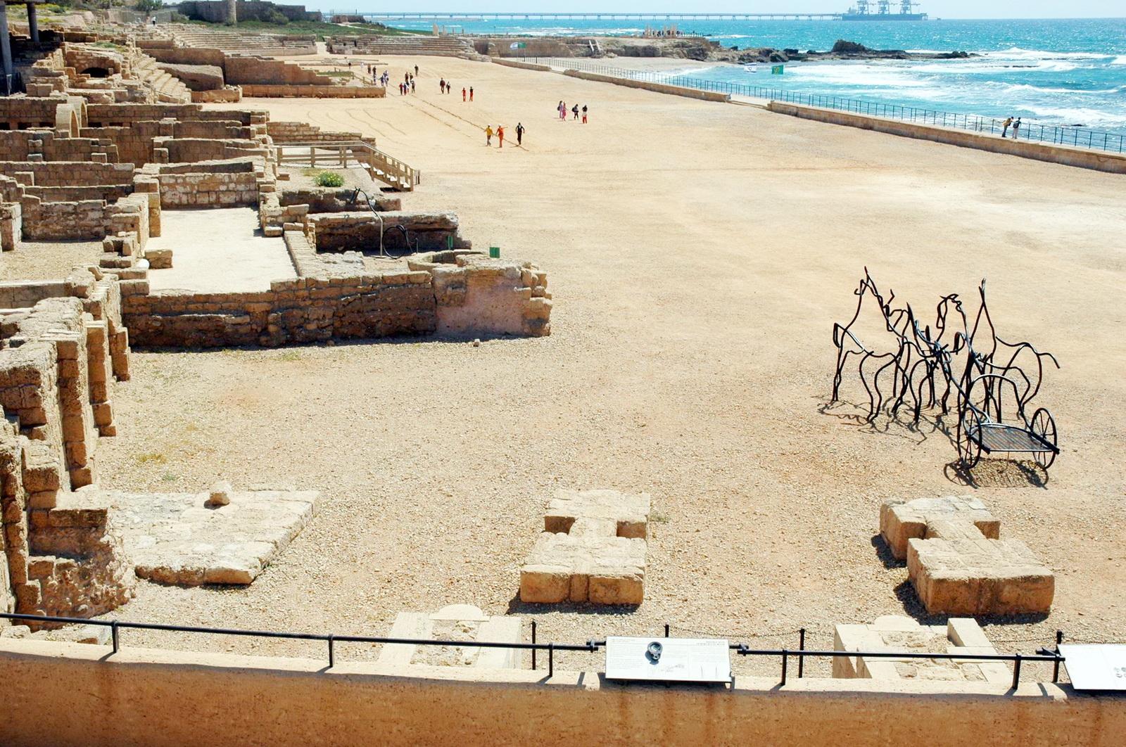 קיסריה הרומית - היפודרום הים