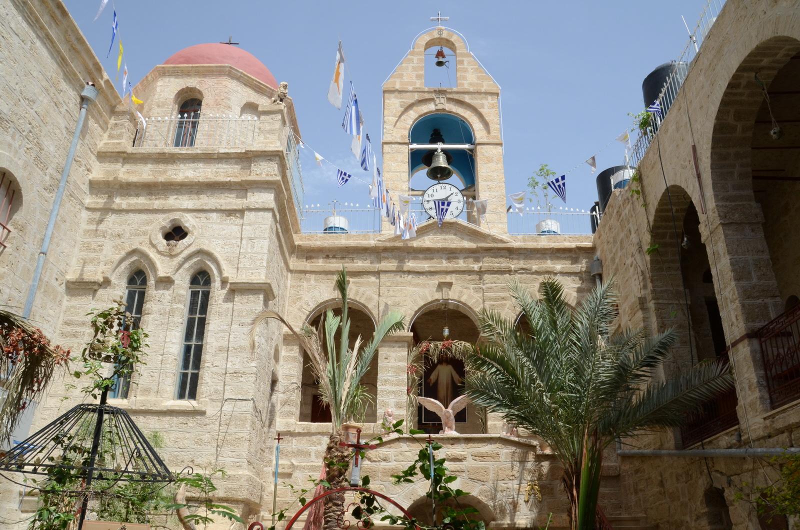 מנזר דיר חג'לה - החצר הפנימית