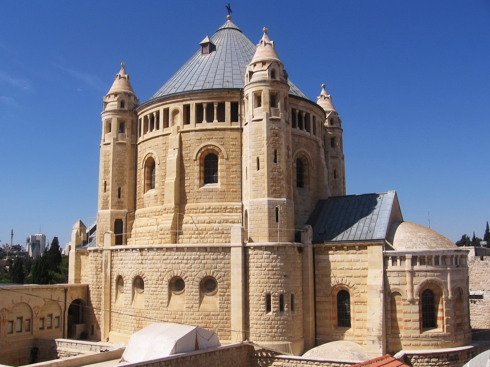 כנסיות בירושלים - כנסיית הדורמציון על הר ציון