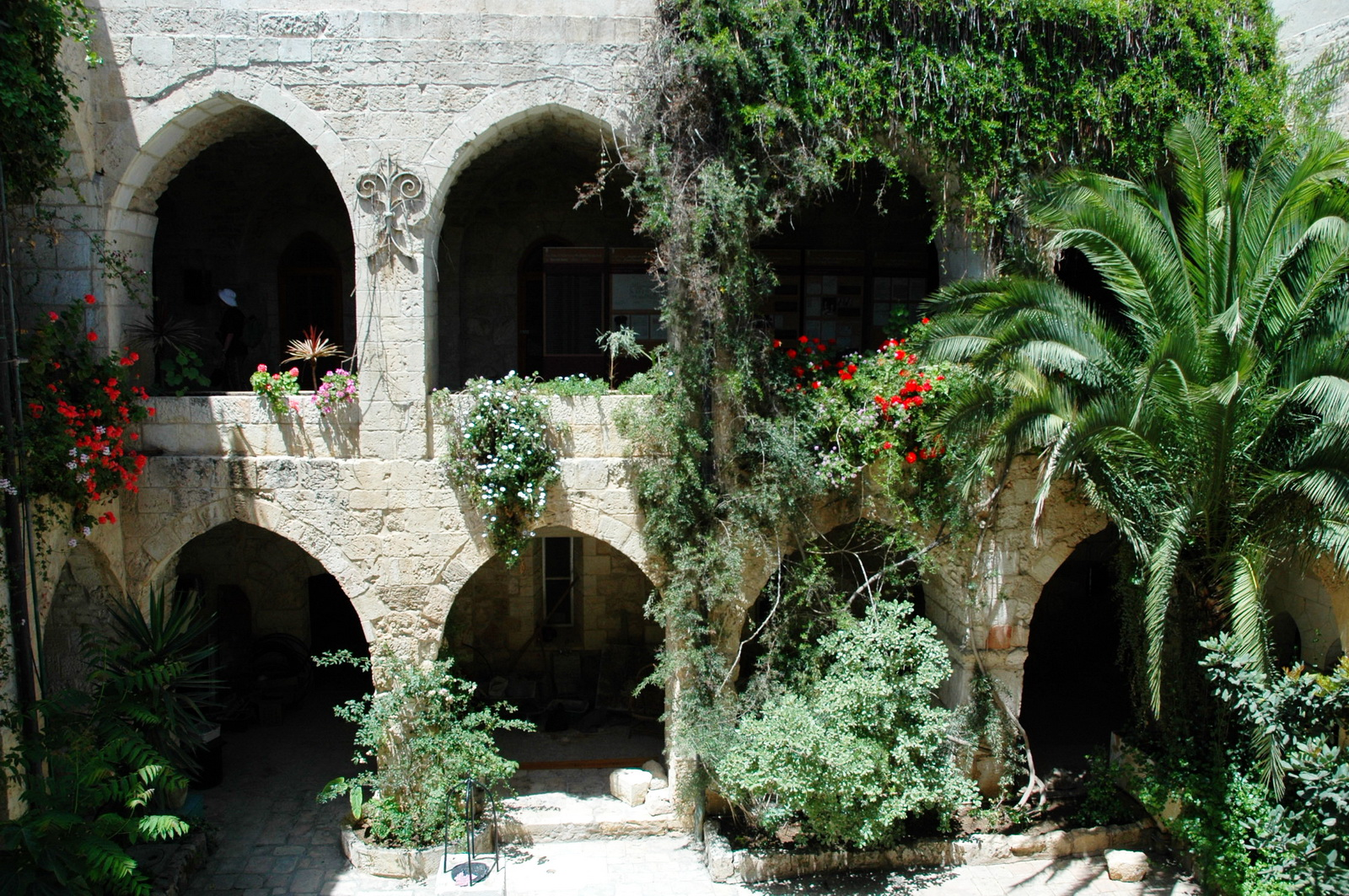 כנסיית הגואל - הקלויסטר