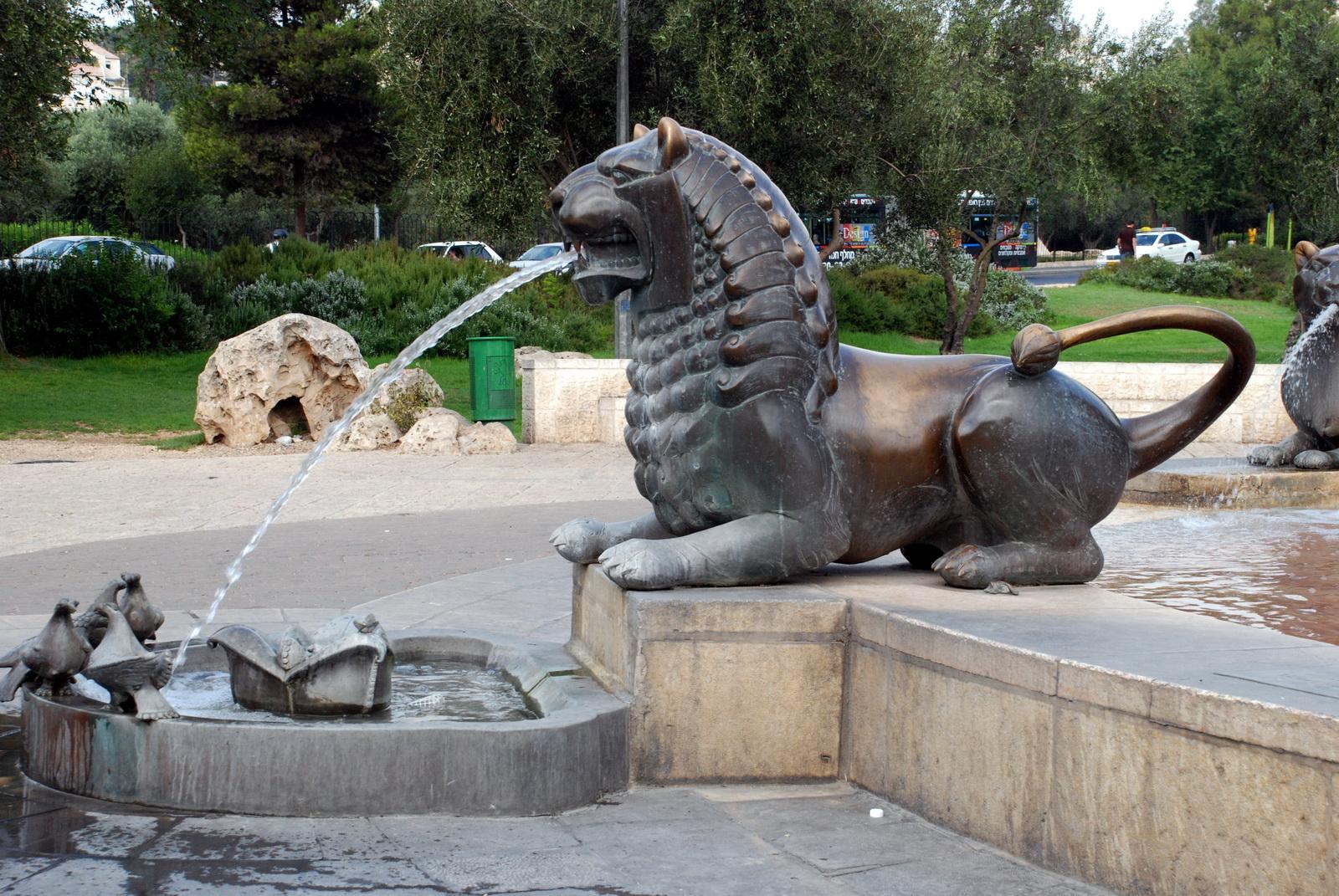 מזרקת האריות