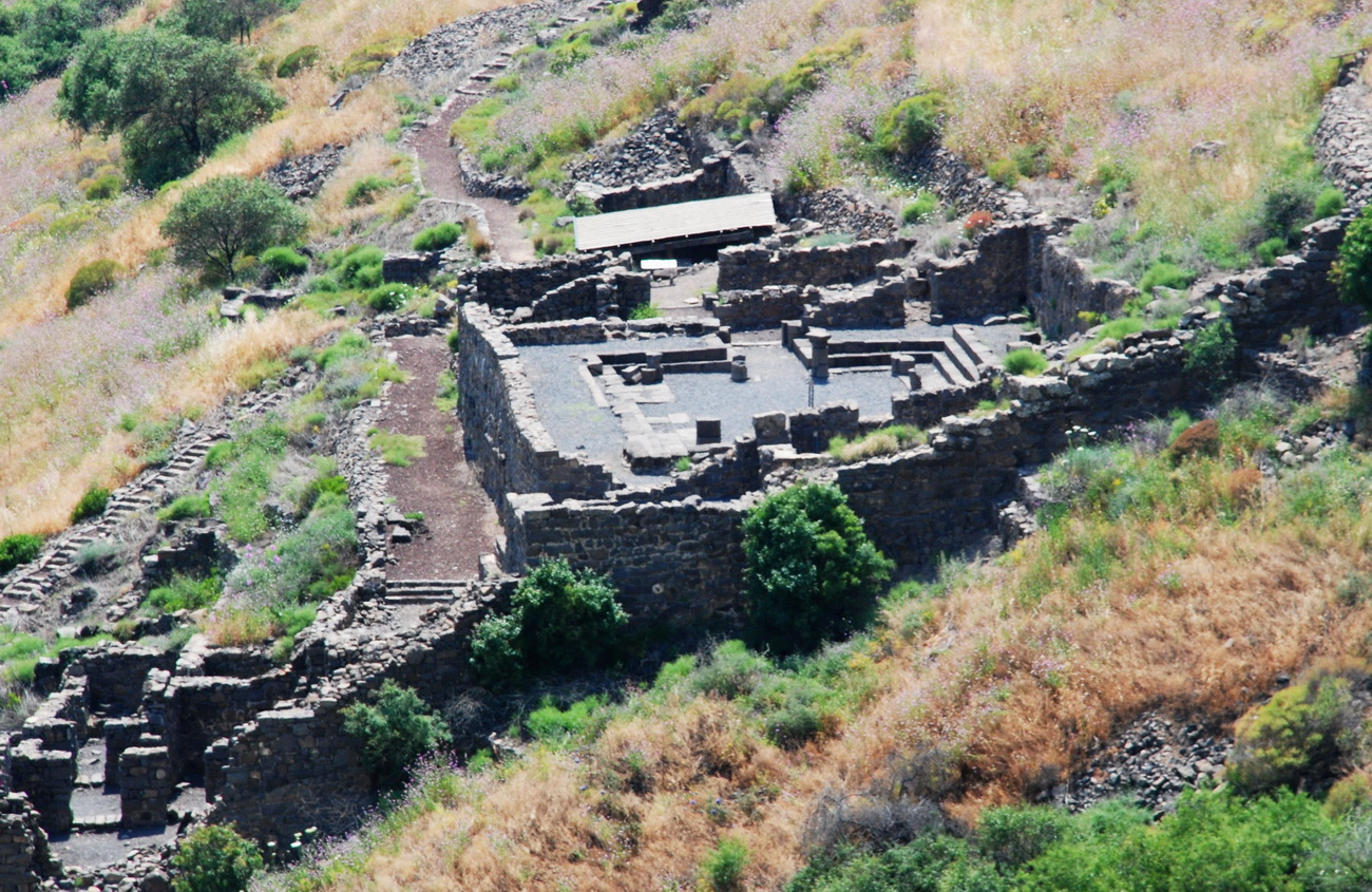 גולן - גמלא - חומת העיר ומתחם בית הכנסת