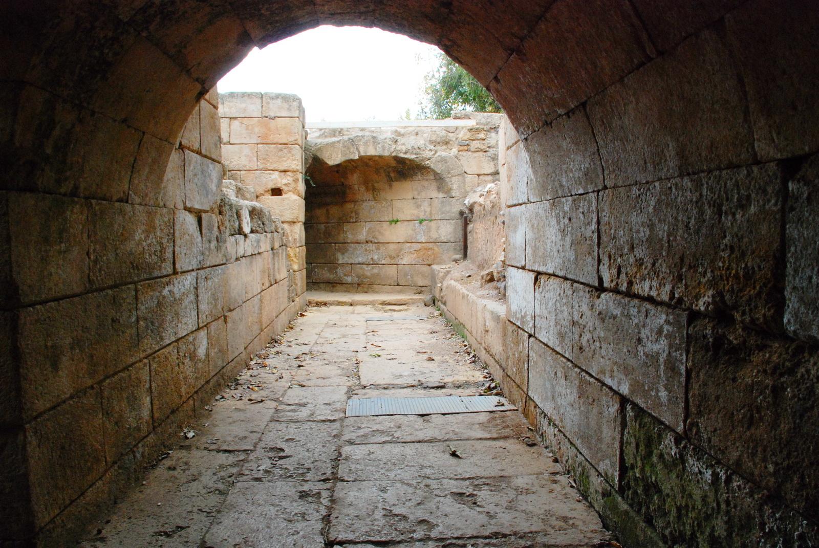 בניאס - מערכת המנהרות