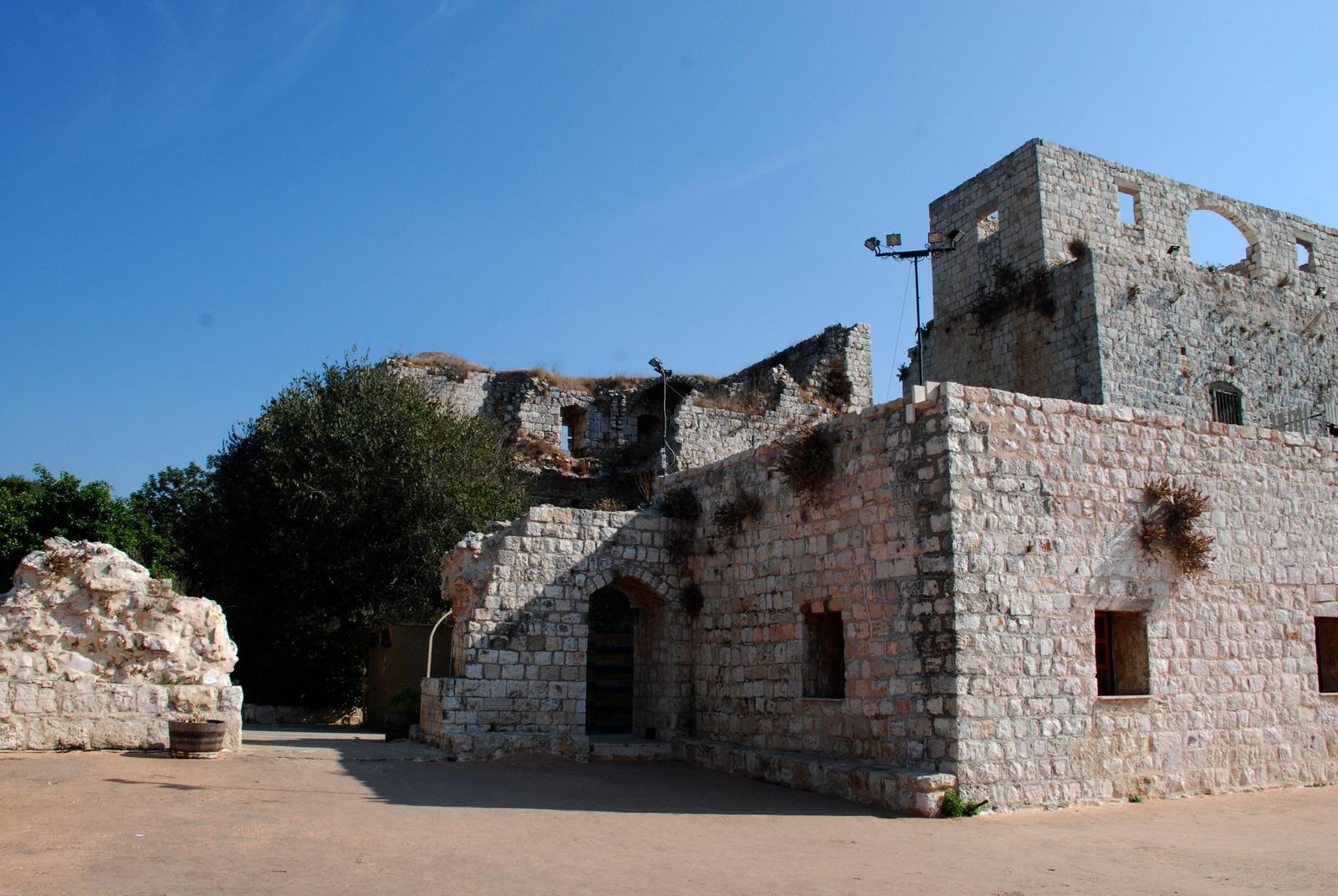 מבצר יחיעם - על גג הקומה התחתונה