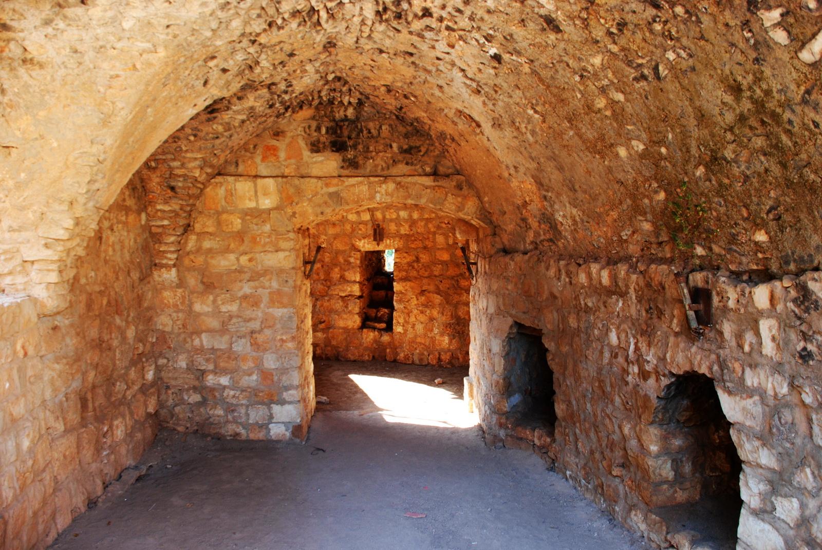 מבצר יחיעם - חדרים וכוכי יריה בקומה העליונה