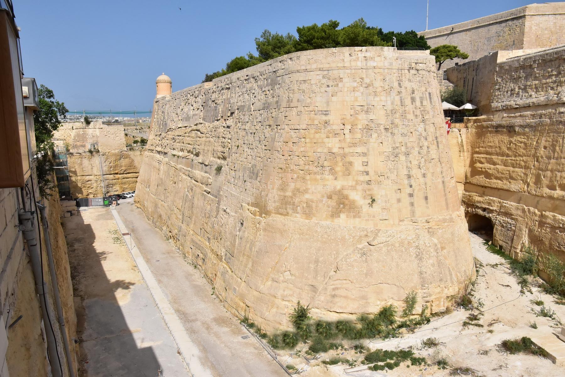 וולטה הבירה - חומת העיר העתיקה