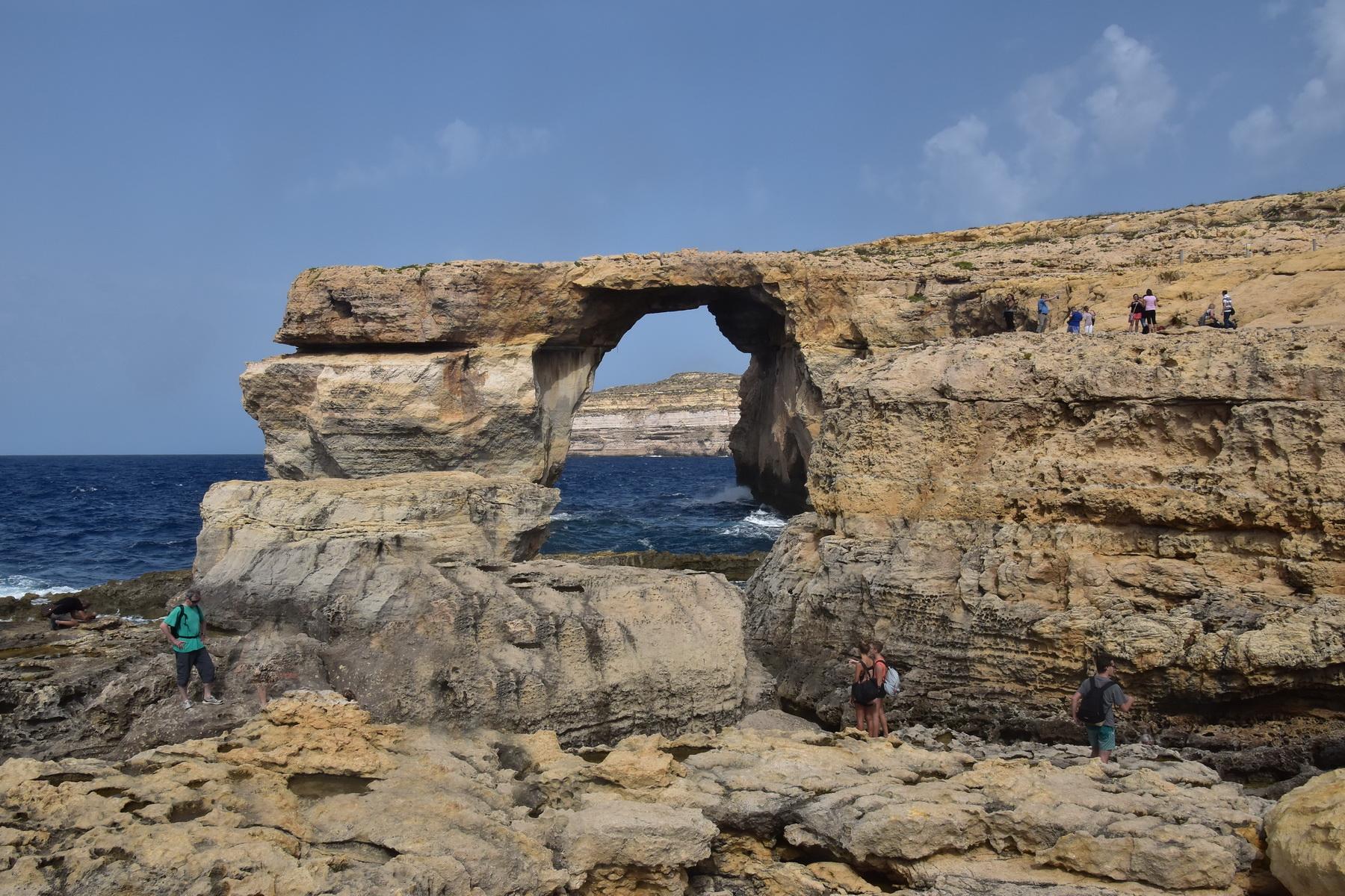 האי גוזו - החלון