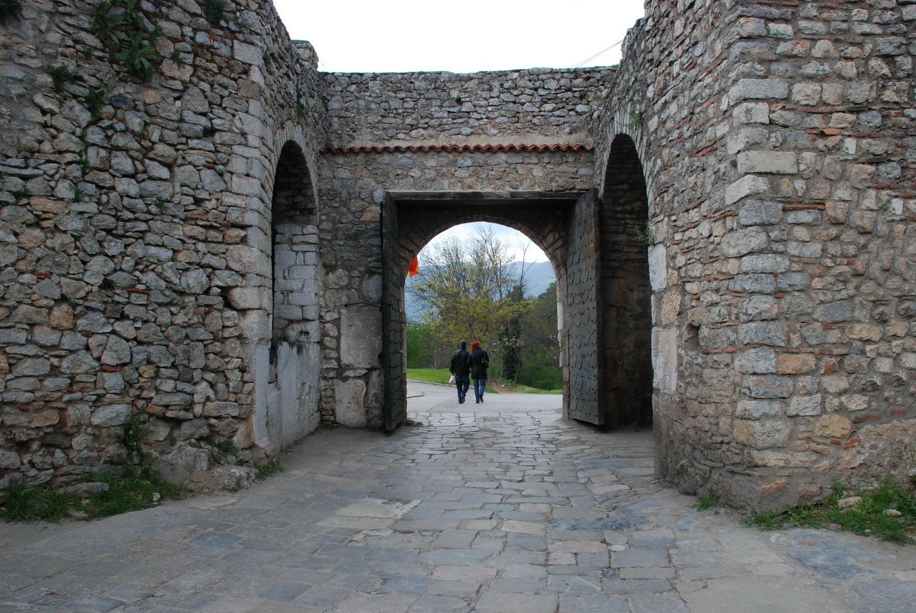 אוחאריד - המצודה והתיאטרון