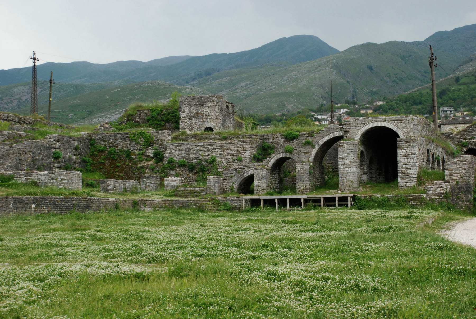 אלבניה - ג'ירוקסטרה - פנים המצודה