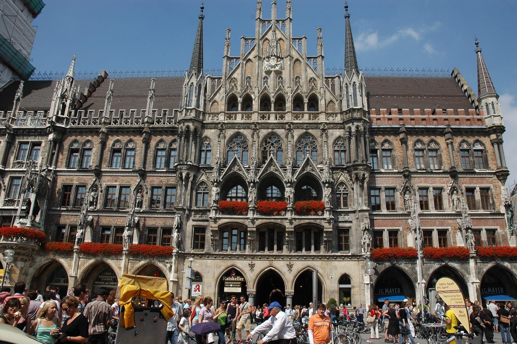 מינכן - בית העירייה במדרחוב
