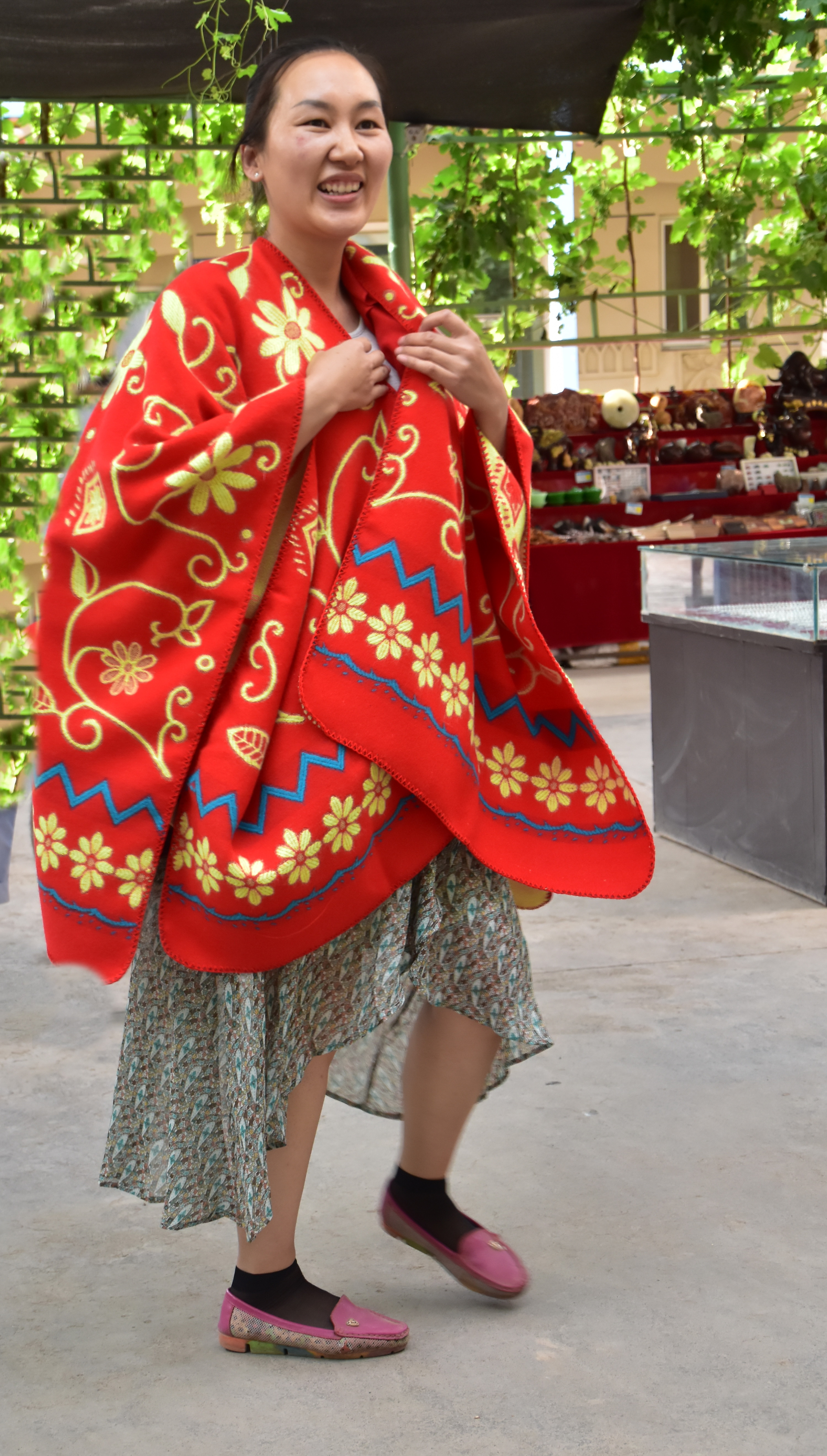 סין - גברת עם פונצ'ו