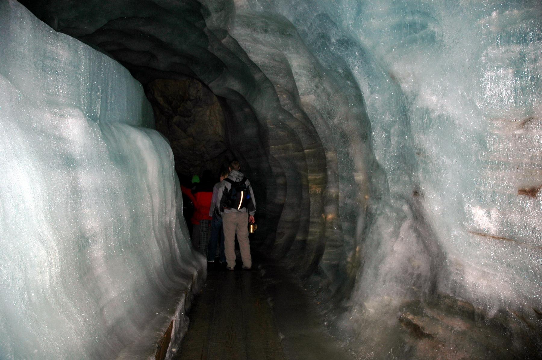 אוסטריה - מערת הקרח באוברטראון